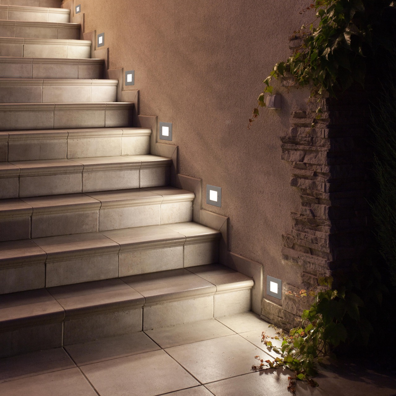 Luces para jardin exterior cheap luces de jardin solares for Luces patio exterior