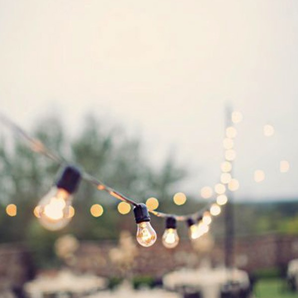 Luces y guirnaldas de feria y fiesta para terrazas y for Luces colgantes para jardin